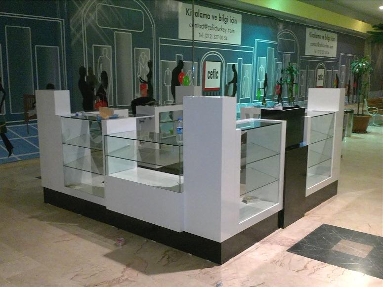 kenar gsm mağaza dekorasyon cep telefon telefonu telefonları banko bankosu bankolar bankoları camlı vitrin tezgah tezgahlar tezgahları aksesuar pano dekorasyon turkcell banko telefoncu